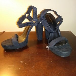 "5"" Black heels"